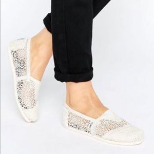 Toms Moroccan Crochet Lace Slip-On Flats Size 8